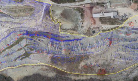 DGM einer Kiesgrube mit überlagerten Höhenlinien