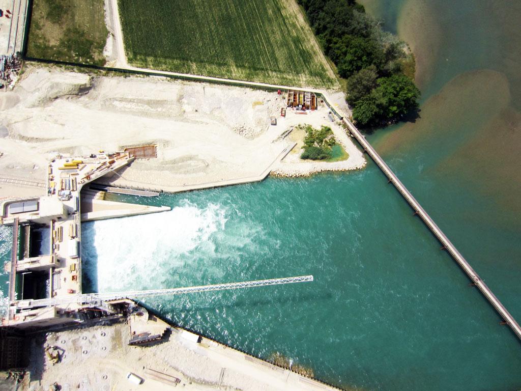 Drohnenaufnahme - Wasserkraftwerk Hagneck