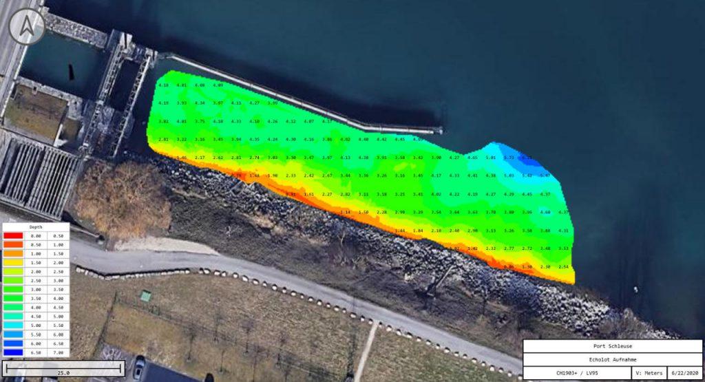 farbiges Luftbild mit überlagerten Bathymetrie-Informationen an der Schleuse Port