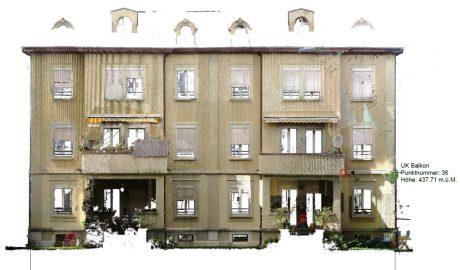 Laserscan-Photo einer Gebäudefassade mit Balkonen